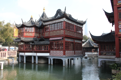 Beautiful traditional Chinese building at Yu Garden