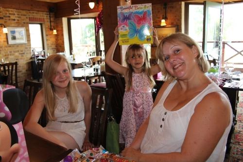 Madeleine, Isabelle & Sandra