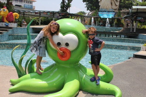 Playing with the Octopus outside the Merlion