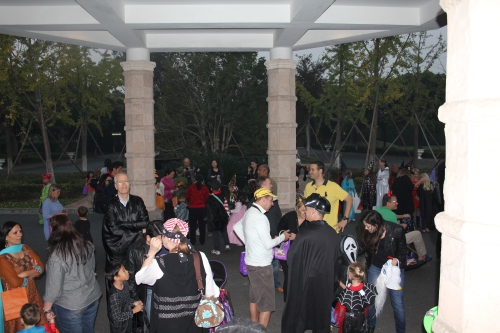 The neighborhood gathering to start the Trick or Treat rounds