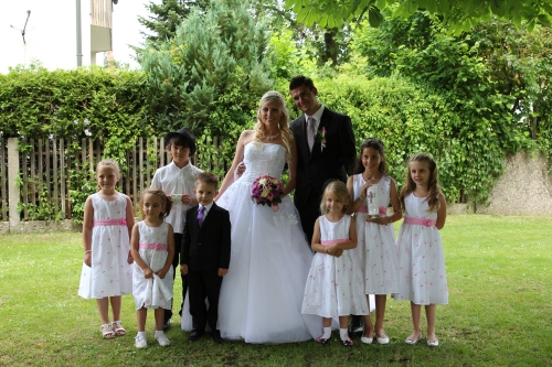 The flower girls, plus Oliver and Patrick (Steffi's nephew).