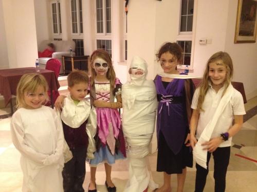 Amelie, Oliver, Isabelle, Ava, Sarah and Emma