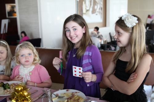 Saskia was special assistant and had to help with some of the card tricks!
